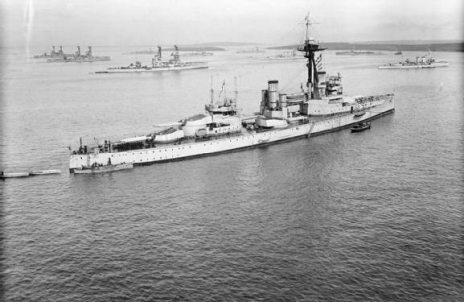 HMS Colossus By official photographer - This is photograph SP 1680 from the collections of the Imperial War Museum